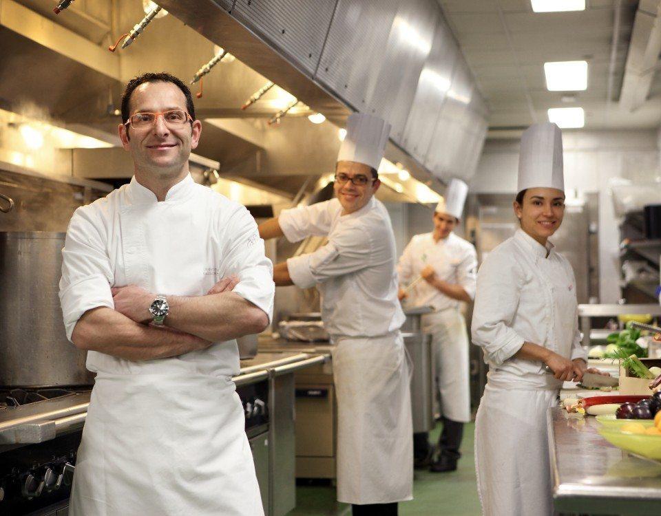 Entrevista a Roberto Holz, chef ejecutivo del Hotel Arts