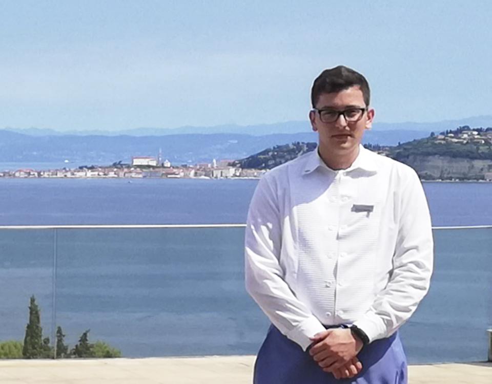 Víctor Aldea en sus prácticas internacionales de verano